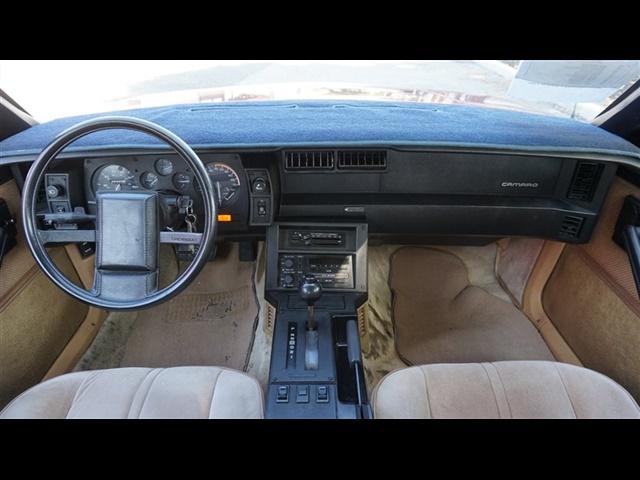 Chevrolet Camaro Base
