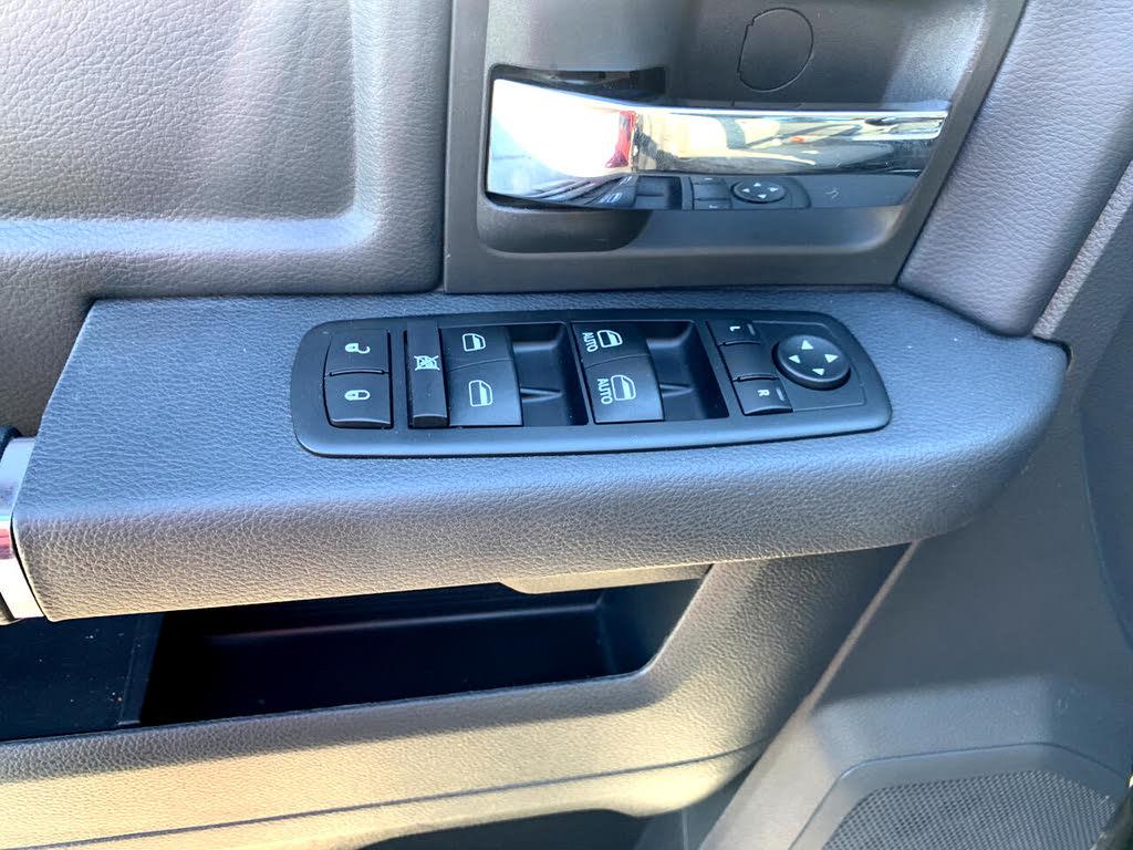 DODGE RAM Sport crew cab hemi 2011 prix tout compris hors homologation 4500€
