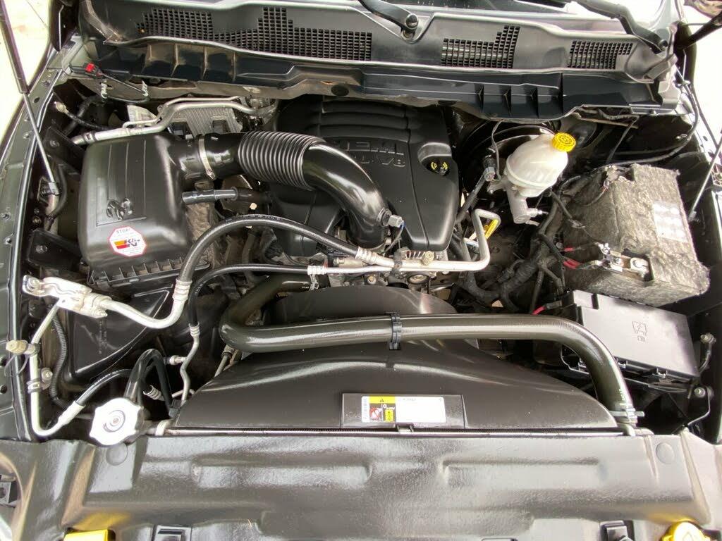 DODGE RAM 1500 5.7l express crew cab 4wd v8 2015 prix tout compris hors homologation 4500€