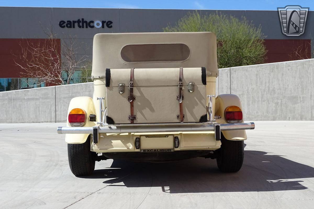 Excalibur phaeton Iii 454 cid v8 1977 prix tout compris