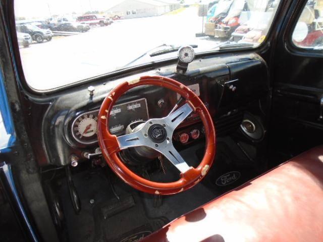 Ford F1 318 v8 1949 prix tout compris