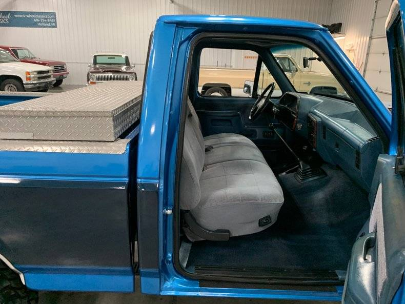 Ford F150 Lariat xlt v8 5.0l 4x4 1988 prix tout compris