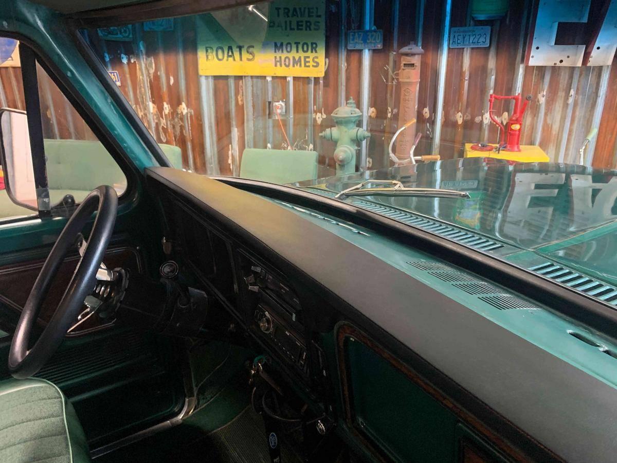 Ford F250 Ranger camper spécial 4x4 1978 prix tout compris