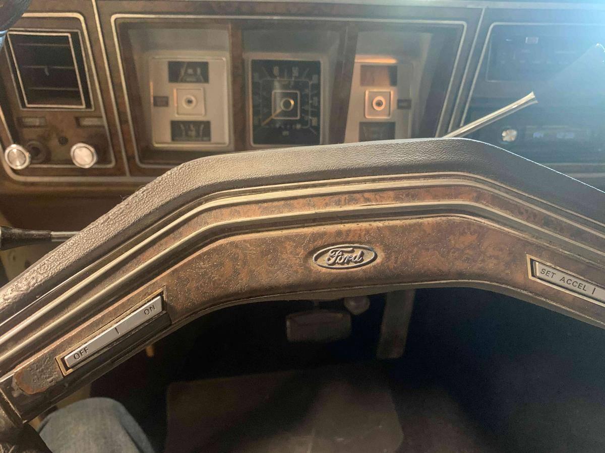 Ford F350 Ranger xlt v8 460 1979 prix tout compris