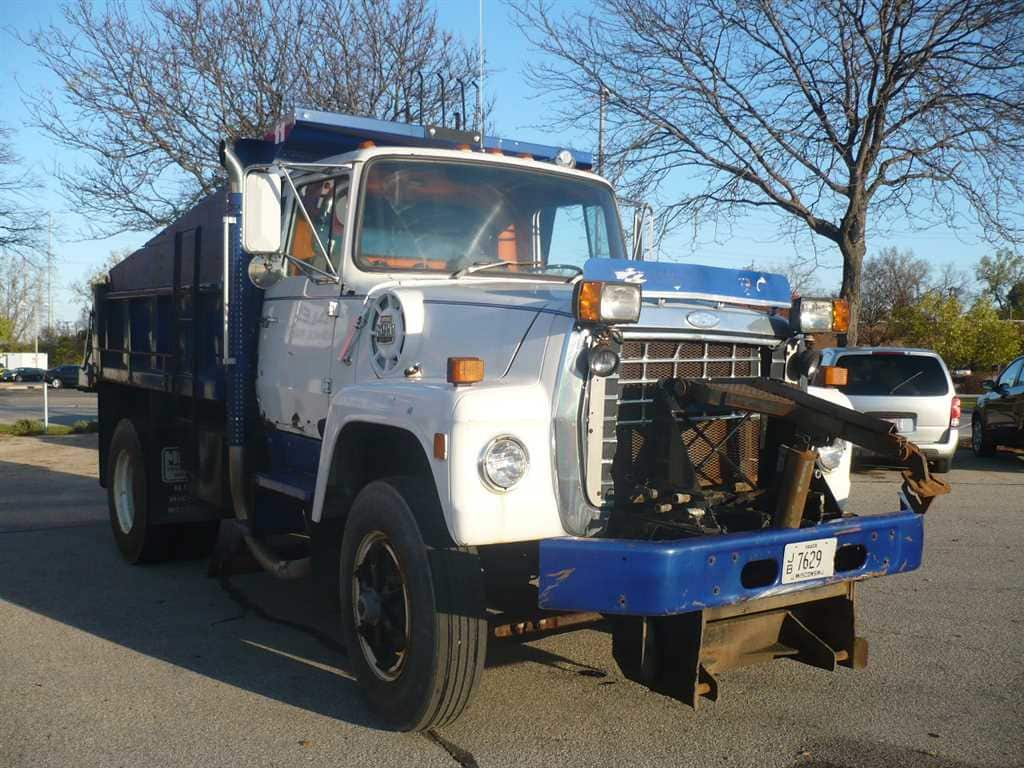 Ford L8000 N.c.