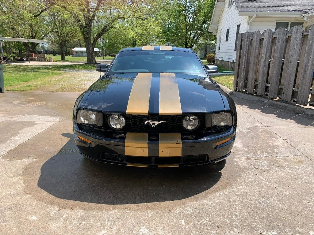 ford mustang gt deluxe coupe rwd Gt v8 2007 prix tout compris hors homologation 4500€