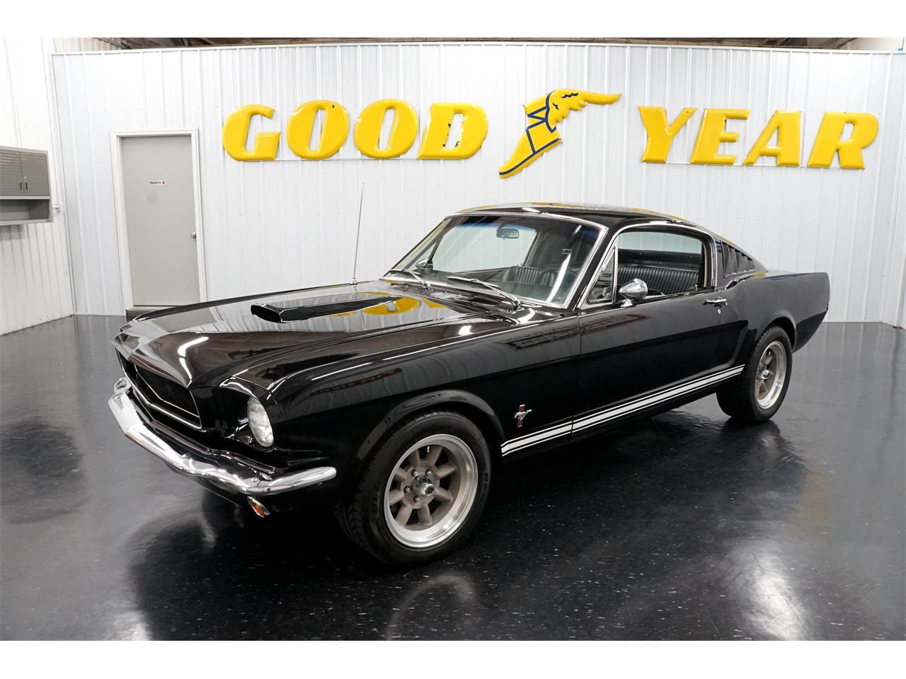 Ford Mustang V8 gta pony pack 1965 prix tout compris 1965
