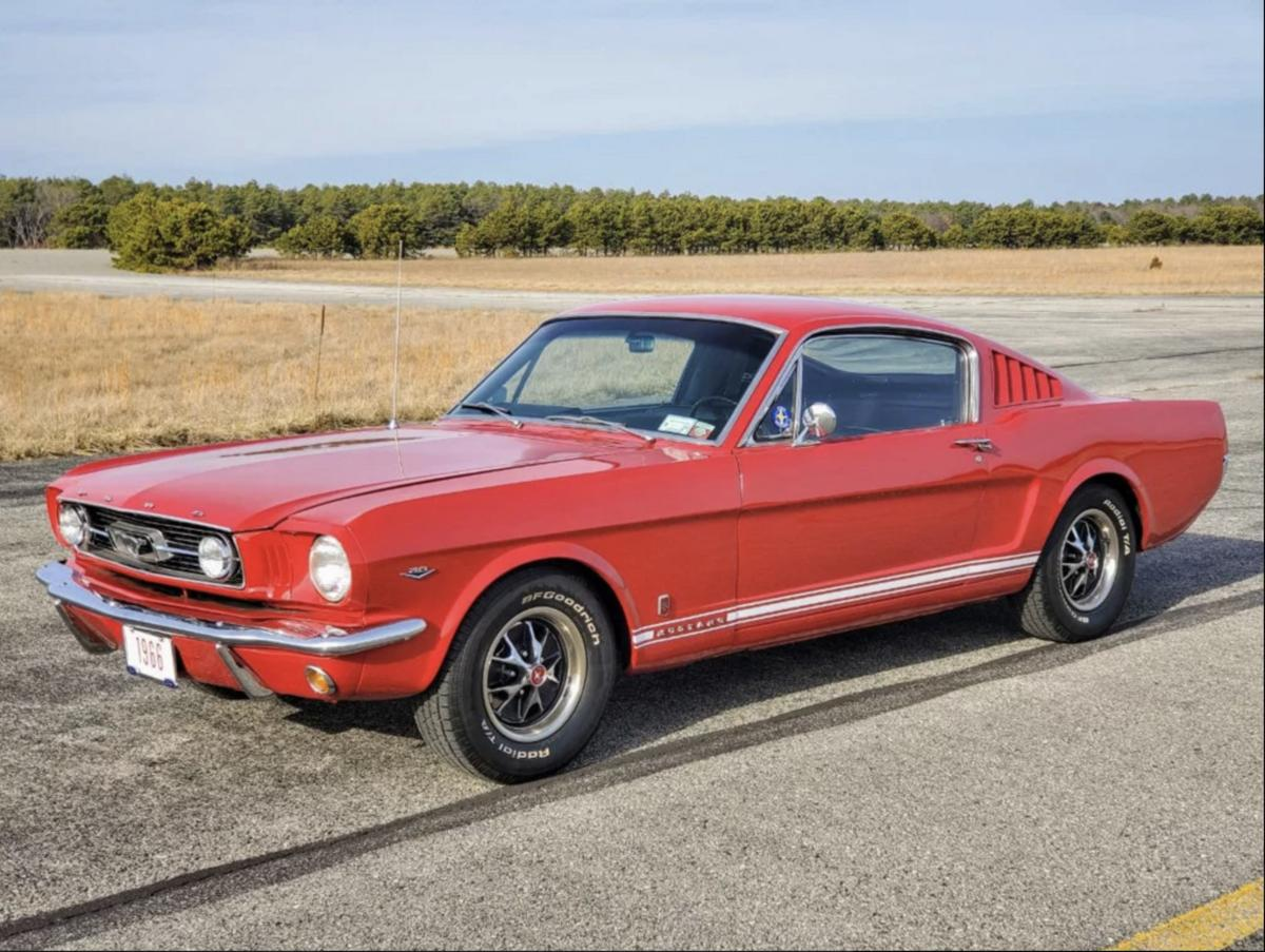 Ford Mustang Fastback gt a prix tout compris 1966