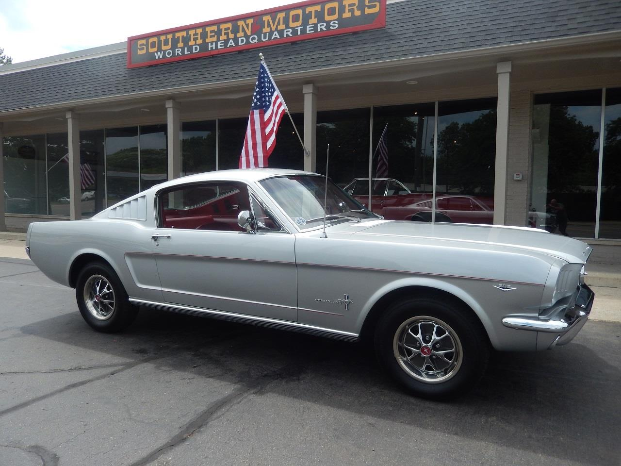 Ford Mustang Fastback v8 1966 prix tout compris 1966