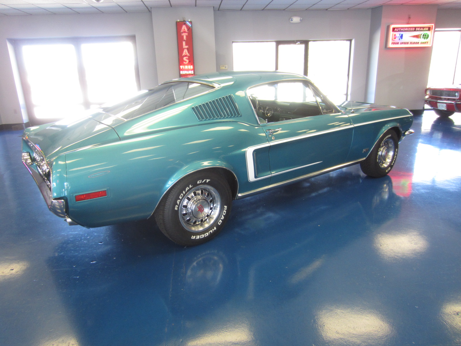 Ford mustang  V8 1968 j code prix tout compris