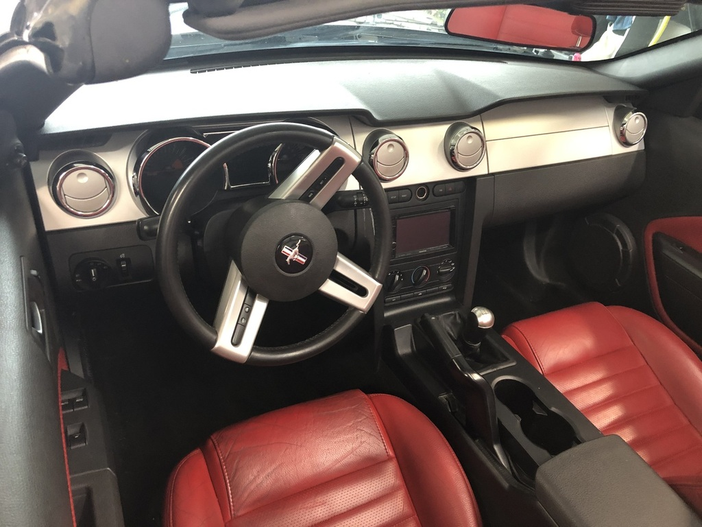 Ford Mustang Gt v8 2005 prix tout compris 2005 hors homologation 4500€