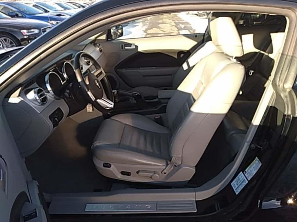 Ford Mustang Gt premium 2005 v8 prix tout compris hors homologation 4500 €