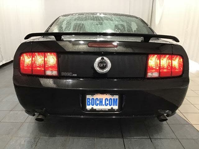 ford mustang Gt deluxe v8 2005 prix tout compris hor