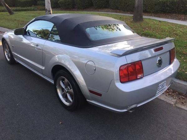Ford Mustang Gt prémium v8 cab 2006  prix tout compris hors homolog 4500€