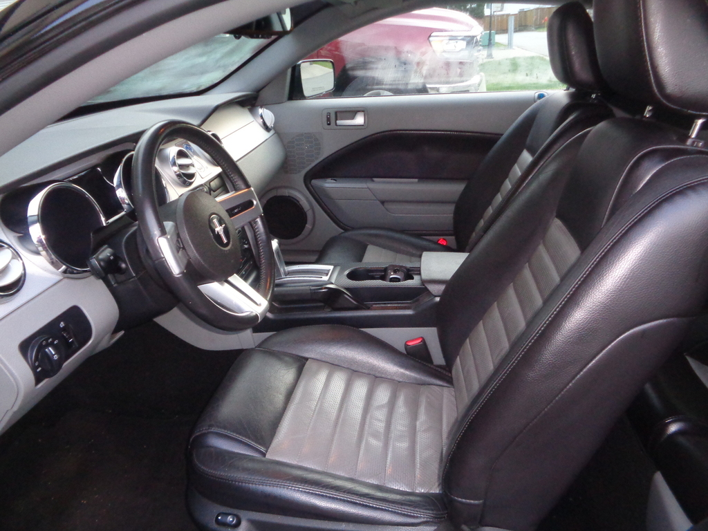 Ford mustang Gt v8 premium 2007 prix tout compris hors homologation 4500€
