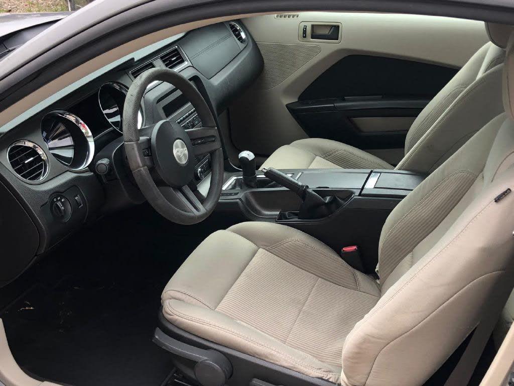 Ford Mustang Coupé prémium 2010 prix tout compris hors homologation 4500€