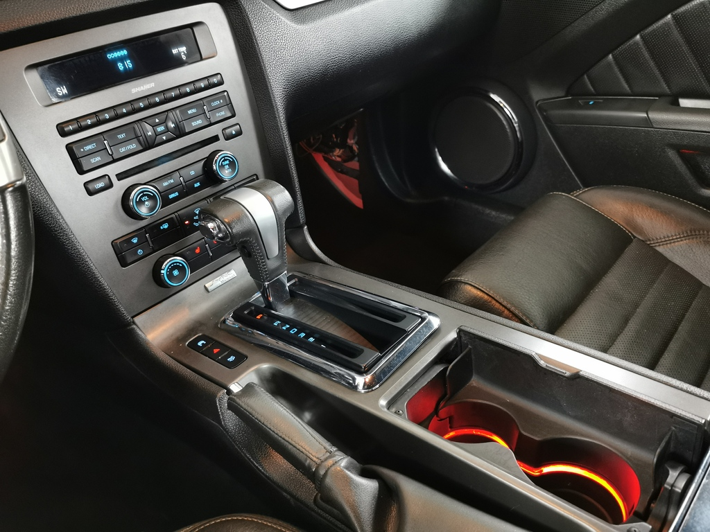 Ford Mustang V8 gt 2010prix tout compris hors homologation 4500 €
