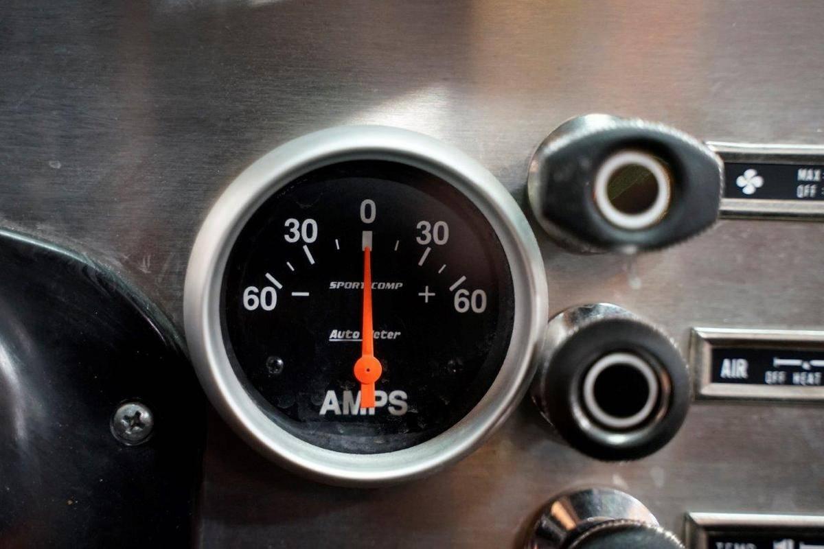 Jeep CJ7 1980 v8 350 prix tout compris