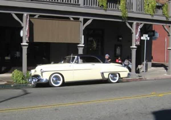 Oldsmobile 88 Holiday coupe deluxe 1950 prix tout compris 1950