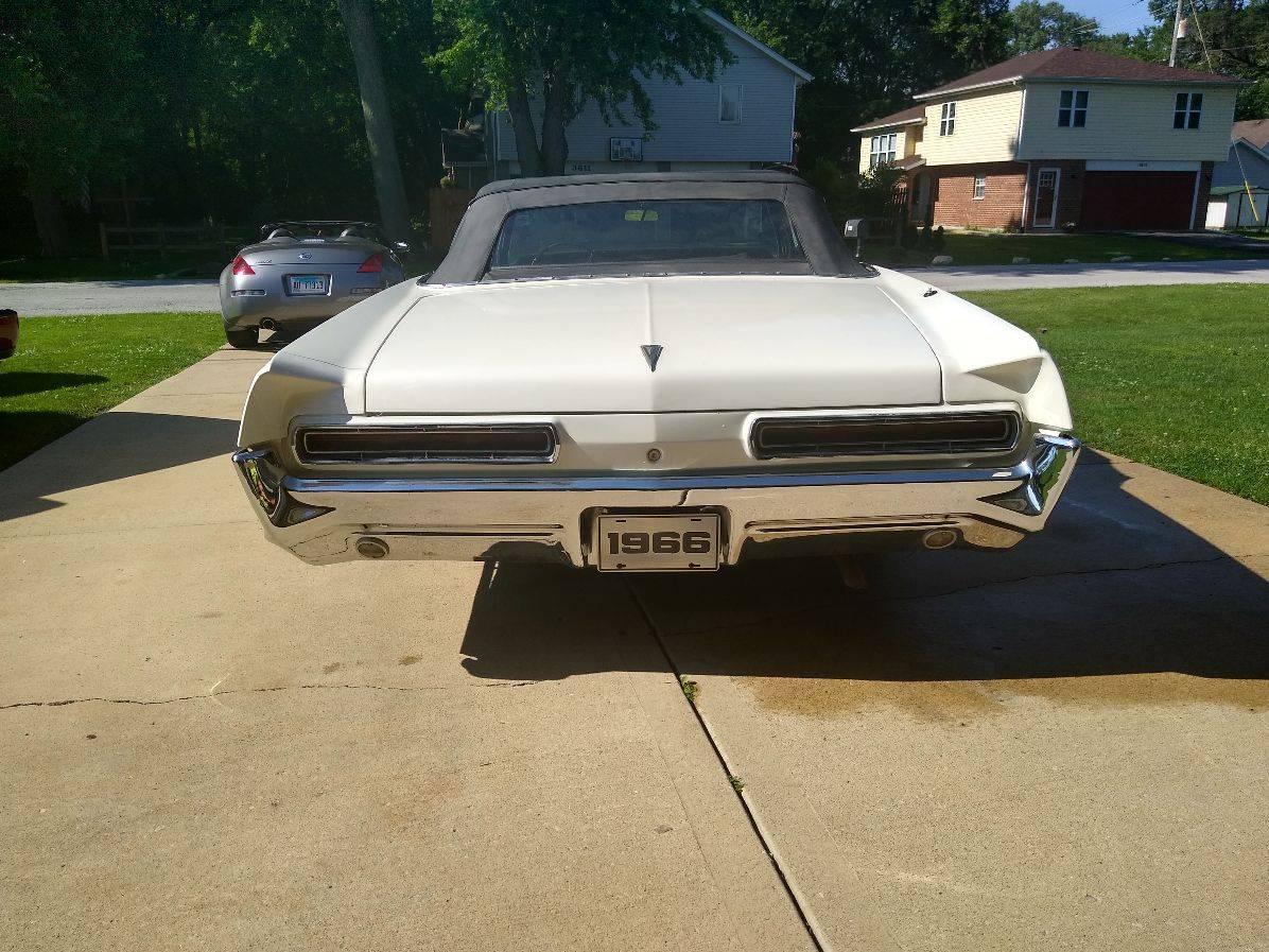 Pontiac Bonneville 1966 prix tout compris