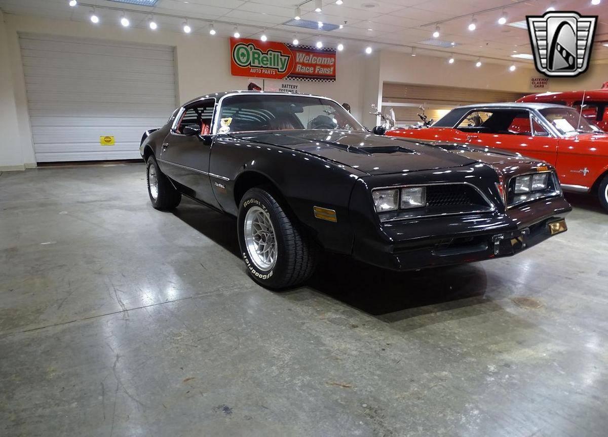 Pontiac Firebird 350 v8 1977 prix tout compris 1977