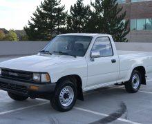 Toyota Pickup Reg. cab short bed 2wd 1989